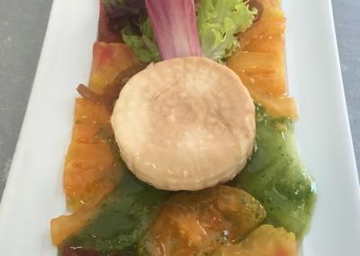Mozzarelle Fumée, Composition de Tomates Muticolores et Pistou