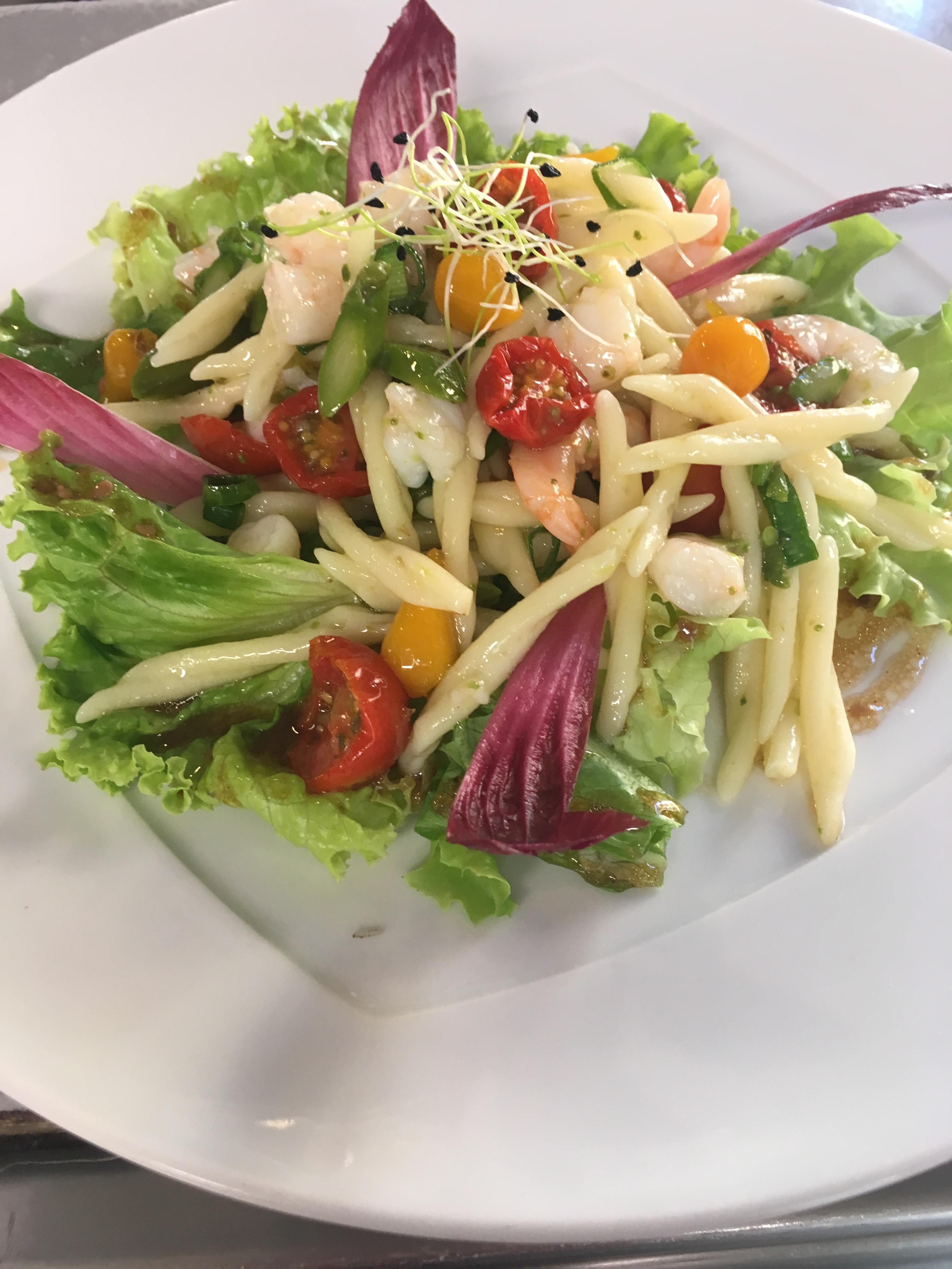 Salade de Trofie aux Crevettes, vinaigrette aux agrumes