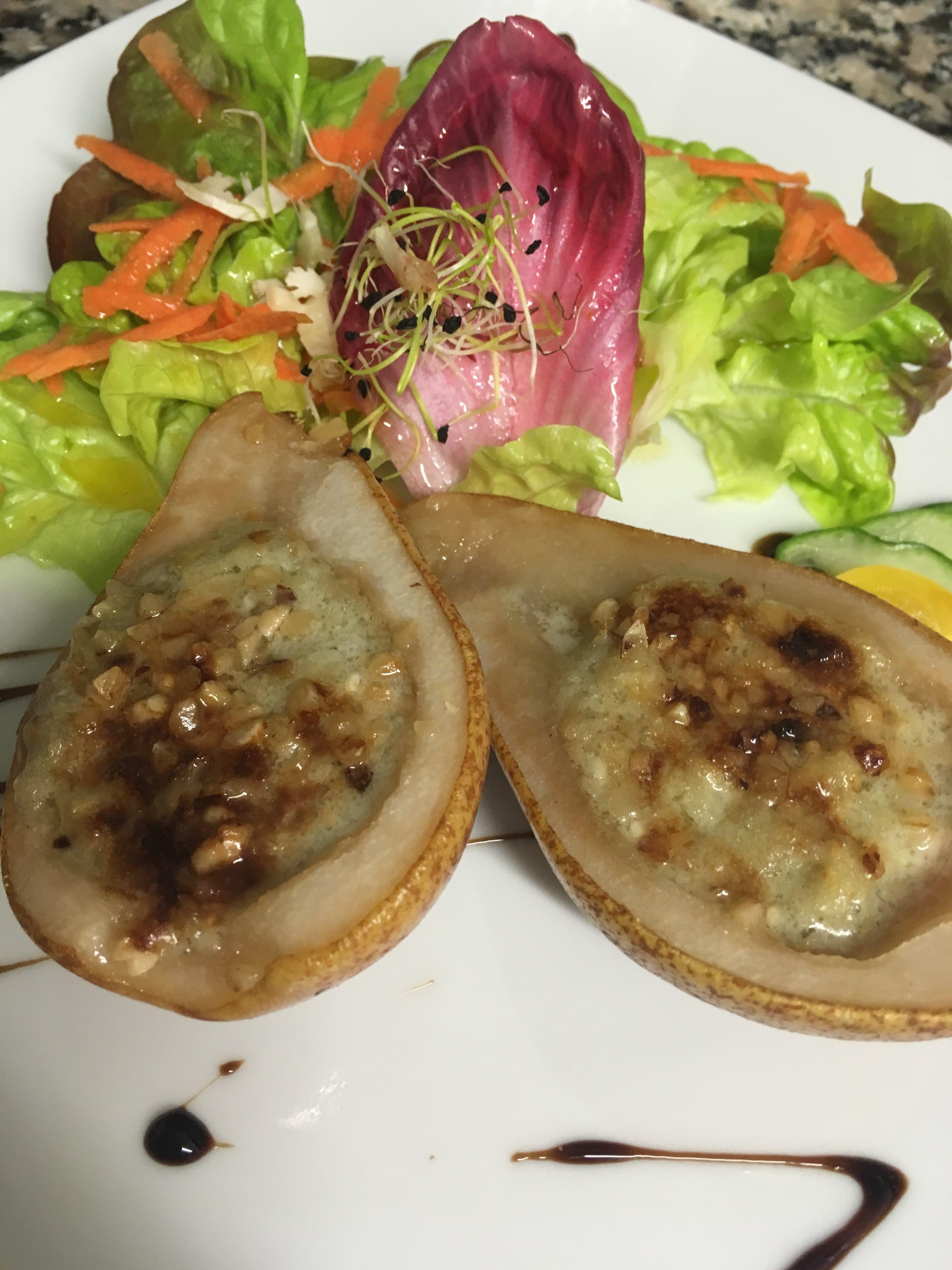 Poire Gratinée au Roquefort